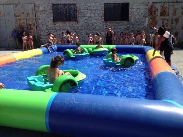 Noleggio piscina gonfiabile con battelli e sfere lecce brindisi taranto - Gonfiabili con piscina ...